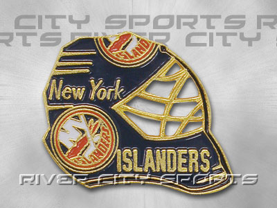 NEW YORK ISLANDERS Goal Mask Pin. Found in Souvenirs > Pins